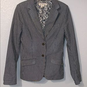 H&M pinstriped jacket with pockets size 6